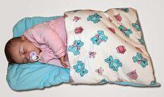 Aprenda a fazer passo a passo um lindo cobertor para bebê. Fica uma gracinha e é super confortável para a criança.