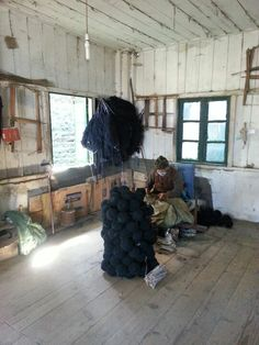 Sorting the wool into balls