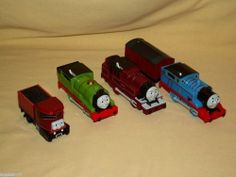 THOMAS TANK TRAIN SET 5 CARS MOTORIZED PLASTIC ARTHUR PERCY ELIZABETH COAL TRUCK