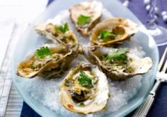 Huitres gratinées au vin blanc et basilic - Recettes - Cuisine française Scalloped Oysters, Oyster Recipes, Mussels, French Food, Clams, Fish And Seafood, Seafood Recipes, Baked Potato, Entrees