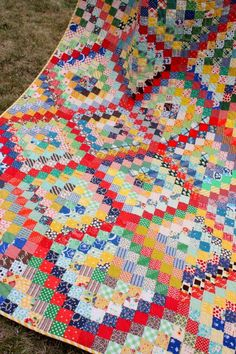 A Finished Scrappy Trip-Around-the-World Quilt!