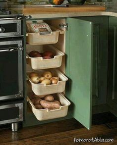 30 Corner Drawers and Storage Solutions for the Modern Kitchen Perfect corner shelf idea for the traditional kitchen [Design: Wood-Mode Fine Custom Cabinetry] Kitchen Corner, Kitchen Pantry, Kitchen Appliances, Smart Kitchen, Organized Kitchen, Kitchen Modern, Kitchen Shelves, Kitchen Countertops, Kitchen Wood
