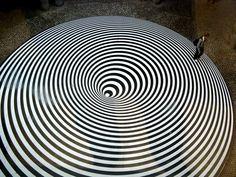 Bridget Riley Artwork, Georgia O'keeffe, Black And White Words, Black White, Spiral Art, Illusion Art, Paris, Optical Illusions, Installation Art