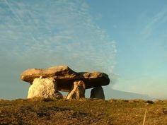 Stonehenge, Asturian, Archaeology, Animals Beautiful, Beautiful Places, Elephant, Culture, History, World