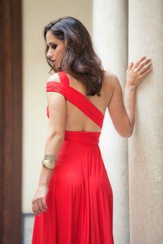 b03997fc74 Vestidos para invitadas a bodas y eventos. Vestido convertibles patentados  de Rojo Carmesí en INVITADISIMA