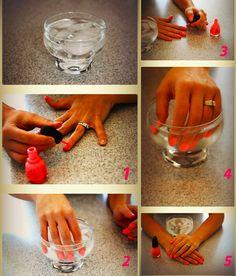20 Asombrosos trucos para tener unas uñas perfectas Manicure Y Pedicure, Manicure At Home, Fix Broken Nail, Body Care, Plastic Cutting Board, Nail Art, Cool Stuff, Pretty, Beauty