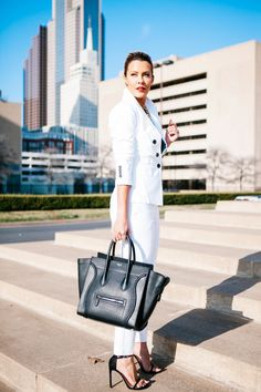 The Power Suit with Express (What Courtney Wore) What Courtney Wore, Courtney Kerr, Work Fashion, Fashion Outfits, Fashion Ideas, Fashion Inspiration, Women's Fashion, Express Fashion, Costume