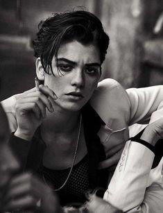 Paolo Roversi, Androgynous Women, Androgynous Fashion, Tomboy Fashion, High Fashion, Fashion Hair, Fashion Brands, Foto Portrait, Portrait Photography