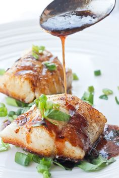 This Kentucky Bourbon Seared Cod features white cod with a sweet bourbon sauce, + it's ready in about 15 minutes! It's perfect for date night or Derby Day!