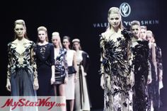 Валентин Юдашкин открыл юбилейную Неделю моды в Москве новой коллекцией в стиле Рок http://www.mystarway.com/news/13595/