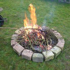Nieuwe vuurplaats in de boomgaard :-)