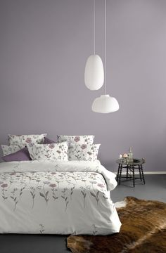 Grayish, purple mauve walls. <3
