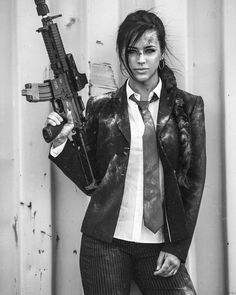 Girl with Weapons - Alexandria Zedra Alex Zedra, Female Soldier, Army Soldier, Military Women, Military Army, Post Apocalypse, Female Characters, Weapons, Portrait
