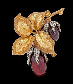 Garnet and gold 1870 brooch