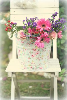 Cut spring flowers in a shabby chic bucket Beautiful Flower Arrangements, My Flower, Floral Arrangements, Beautiful Flowers, Romantic Flowers, Flower Vases, Shabby Chic, Shabby Cottage, Chair Planter