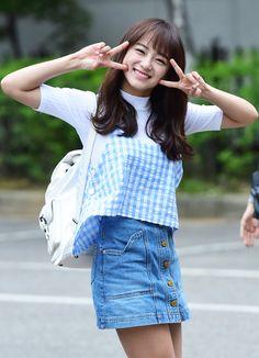 Cute Kim Se Jeong Kim So Eun, Kim Sejeong, Kim Jung, South Korean Girls, Korean Girl Groups, Jung Hyun, Jeon Somi, Kpop Outfits, Famous Women