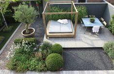 aménagement-jardin-moderne-buis-lit-joiur-table