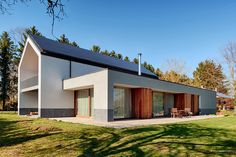 Wooden frame house in Maizeret