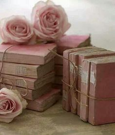 ☆Like the idea of bundling the book with pretty string and a rose for Valentines Day