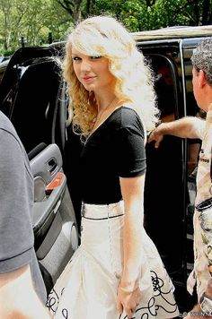 American country music singer-songwriter Taylor Swift