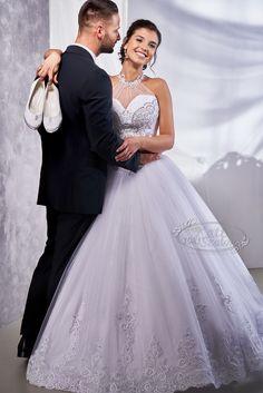 Kati Szalon - Különleges esküvői ruha One Shoulder Wedding Dress, Wedding Dresses, Fashion, Bride Dresses, Moda, Bridal Gowns, Fashion Styles, Weeding Dresses, Wedding Dressses