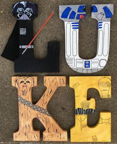 Cool letters painted in a Star Wars theme - Star Wars Paint - Ideas of Star Wars Paint Decoration Star Wars, Star Wars Decor, Star Wars Bedroom, Star Wars Nursery, Star Wars Kids, Star Wars Baby, Regalos Star Wars, Boy Room, Kids Room