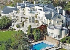 Enhance Your Senses With Luxury Home Decor Dream House Exterior, Dream House Plans, My Dream Home, Big Mansions, Mansions Homes, Dream Mansion, Luxury Homes Dream Houses, Modern Mansion, Celebrity Houses