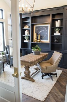 I love this gorgeous home office! 🖤- home office ideas - home office decor - home office design - home office organization - home office ideas for women - home office space - home office ideas on a budget - Apartment Decoration, Decoration Ikea, Home Office Space, Home Office Decor, Home Decor, Office Ideas, Office Table, Table Desk, Home Office Furniture Ideas