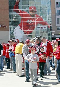 Cincinnati Reds fans file into Great American Ball Park for their home opening day game against the Miami Marlins in their National League MLB baseball game in Cincinnati, Ohio, April Reds Baseball, Baseball Games, Miami Marlins, Home Team, National League, Opening Day, Cincinnati Reds, Wakeboarding, Mlb