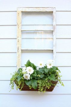Old windows are an on-trend way to add rustic style to your home! Keep reading to see 25 ways you can repurpose vintage windows for a cozy, farmhouse look! Window Frame Decor, Old Window Frames, Window Art, Windows Decor, Antique Windows, Vintage Windows, Diy Old Windows Ideas, Window Ideas, Old Window Projects