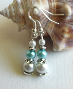 GREAT GLASS PEARLSBlue and White PearlsWhite by SallyStones
