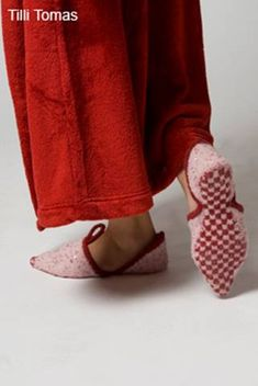 persian slippers  by Sanguine Gryphon, via Flickr