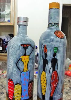 Wine Bottle Crafts – Make the Best Use of Your Wine Bottles – Drinks Paradise Painted Glass Bottles, Glass Bottle Crafts, Wine Bottle Art, Diy Bottle, Glass Painting Designs, Recycled Wine Bottles, Jar Art, Decoupage Art, Bottle Painting
