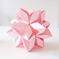 Rafelita Kusudama made by stjernestunder.dk #pink #origami #rafelita #kusudama