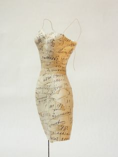 Franck Depoilly ~ 'Page Dress' from a series of small paper dresses + lamps *petite robes en papier / lampes* via the French lighting designer's site: atirdailes.wordpress.com