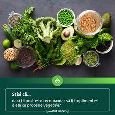 Dacă ții post, urmezi un anumit regim alimentar sau adopți o dietă vegetariană, nu uita să incluzi suficiente proteine vegetale în dieta zilnică. Printre cele mai bune surse de #proteine vegetale se numără leguminoasele, legumele cu frunze verzi, oleaginoasele, #quinoa și semințele de #chia. Natur House, Seaweed Salad, Health Fitness, Healthy, Quinoa, Ethnic Recipes, Food, Essen, Meals