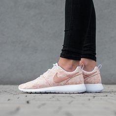 Damen Schuhe sneakers Nike Roshe One Print (GS) 677784 200