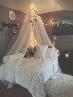 Teen Girl Bedrooms - A powerful to enjoyable pool of teen girl room images. For extra smart teen girl room styling examples simply visit the link to devour the pin tip 2840452236 immediately. Cute Bedroom Ideas, Girl Bedroom Designs, Room Ideas Bedroom, Awesome Bedrooms, Girls Bedroom, Bed Ideas, Bedroom Furniture, Teenage Bedrooms, Ideas Románticas