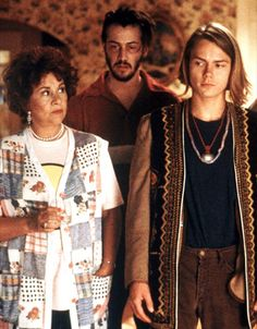Joan Plowright, Keanu Reeves, and River Phoenix in I Love You to Death
