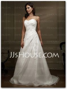 Attractive A-Line/Princess Sweetheart Chapel Train Organza  Satin Wedding Dress with Ruffle  Lace  Beadwork (002000331)
