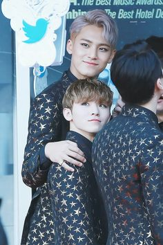 omg I already know for the hight difference but it kills me every time i see it | lol | woozi | Mingyu