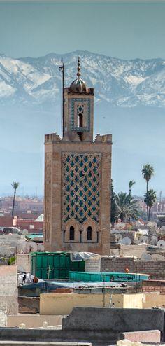 Zwischen der Sahara und dem Atlantik wartet Marokkos Wintermärchen – mit einsamen, schneebedeckten Bergdörfern. Eine Ortsbegehung: http://www.travelbook.de/welt/Auf-dem-Atlasgebirge-Machen-Sie-doch-mal-Skiurlaub-in-Marokko-596685.html