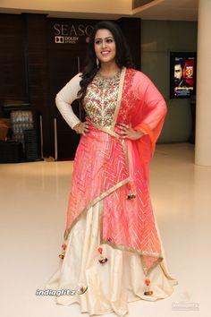 Indian Actress Pics, Tamil Actress Photos, Indian Actresses, Kannada Movies, Telugu Movies, Raiza Wilson, Malayalam Actress, Beautiful Girl Indian, Indian Beauty Saree