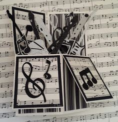 Creative Paper Crafting: Music Box : http://papercraftingwithcari.blogspot.fr/2014/01/music-box.html?m=1