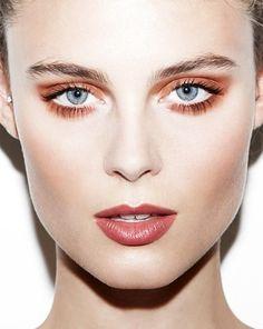 Monochrome eyes + lips