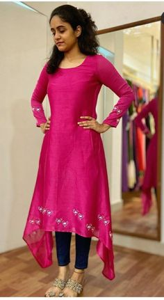 Sleeves Designs For Dresses, Dress Neck Designs, Fancy Blouse Designs, Stylish Dress Designs, Sari Design, Frock Design, Simple Kurta Designs, Kurta Designs Women, Designer Kurtis