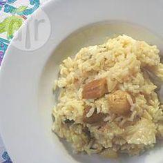 Italienisches Steinpilzrisotto (Risotto ai funghi porcini) - Frische Steinpilze sind meiner Meinung nach die aromatischsten Pilze überhaupt. Ich hab hier 2 Methoden fürs Risottokochen aufgeschreiben - im Schnellkochtopf geht es besonders schnell, aber wenn man keinen hat, kann man das Risotto auch in einer Pfanne machen, dann muss man halt Rühren.@ de.allrecipes.com