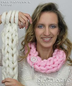 Video tutorial on how to arm knit and make an infinity scarf or cowl.