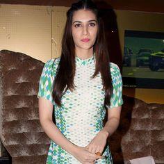 Kriti Sanon at #Dilwale screening. #Bollywood #Fashion #Style #Beauty #Hot #Cute
