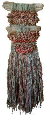 Arte Textil Marianne Werkmeister: Un exquisito aroma a Daphne anuncia la primavera en los jardines de Osorno